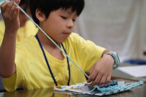 訓練孩子專注力及進入細緻工作的編織課